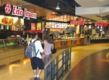 800px-Food_court_edo_japan_la_belle_province_basha