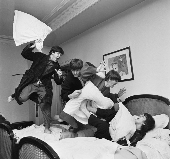 time-100-influential-photos-harry-benson-pillow-fight-55